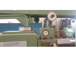 Esztergagép CASER 750 x 6200-5
